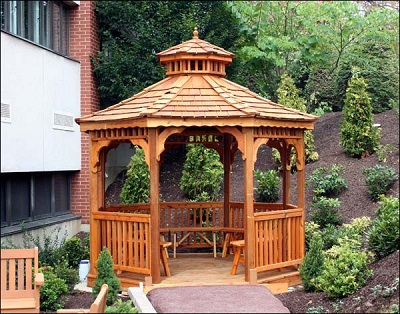 Red Cedar Octagon Gazebo